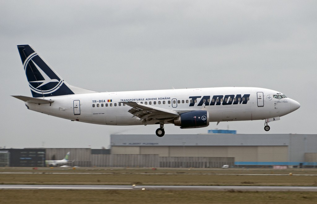 avion-tarom-YR-BGA-airclicks