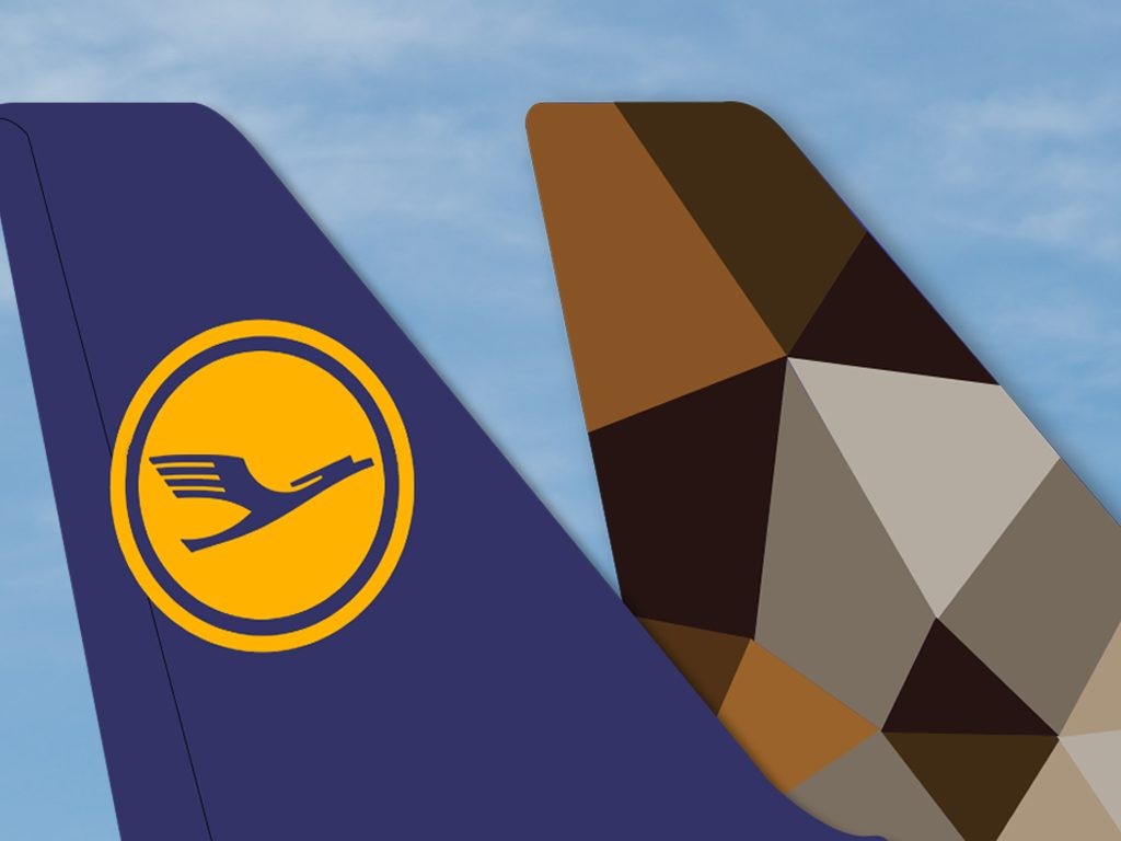 airclicks-Lufthansa_Etihad-Tailfins-1024px